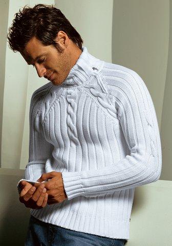 Мужские вязаные джемпера и свитера.
