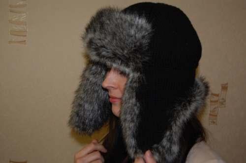 Чудные тапочки.  Вяжем шапку-ушанку с мехом.  Белый жакет.  Пуловер с цветком. http://eva-blits.ru/2010-11-10-16-48...